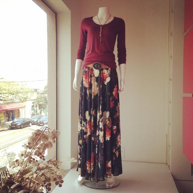 Trendy Store_Saia estampada e blusa bordô